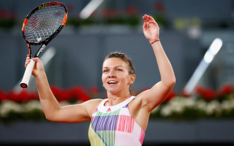 Prima victorie la Singapore! Liderul mondial Simona Halep, lecție de tenis contra Carolinei Garcia
