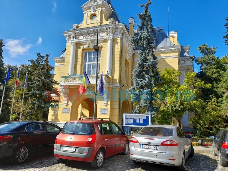 Primăria municipiului Botoșani angajează asistenți medicali, fără concurs