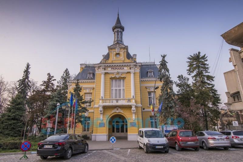 Primăria municipiului Botoșani caută un șef peste cimitire și piețe, cu opt ani experiență în conducere