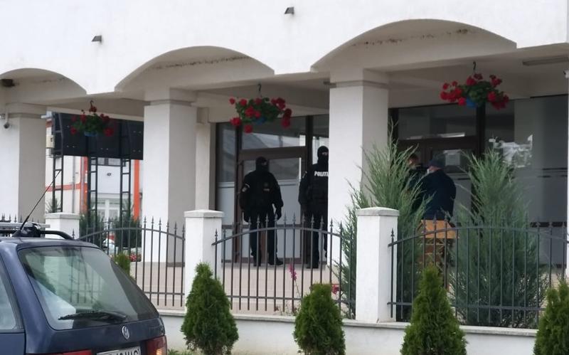 Primăria Orașului Ștefănești luată astăzi cu asalt de procurorii Parchetului din Săveni