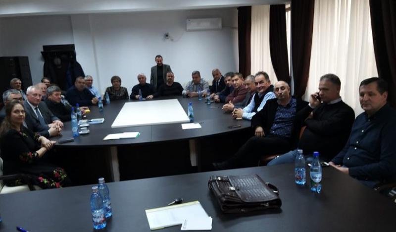 Primarii PNL de la Botoșani vor să își dea demisia în bloc dacă ALDE pune noul prefect! Astăzi au semnat documentul!