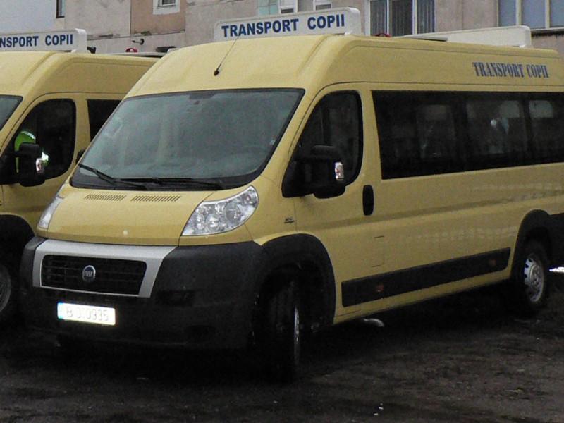 Primării somate să asigure intrarea în legalitate a microbuzelor școlare