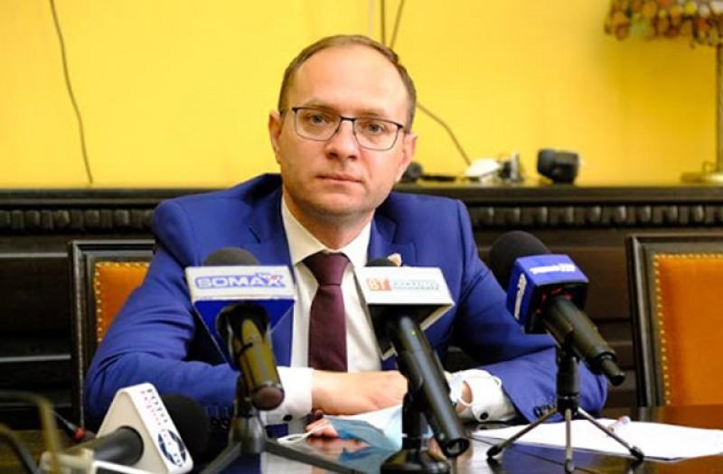 Primarul Andrei continuă demersurile pentru reabilitarea stadionului Municipal
