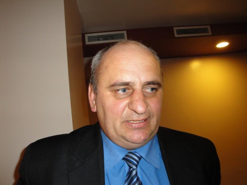 "Primarul Dumitru Chelariu: ""Daca AJF ar da un ordin ca terenurile sa fie curatate inainte de prima etapa, cred ca toti s-ar conforma"""