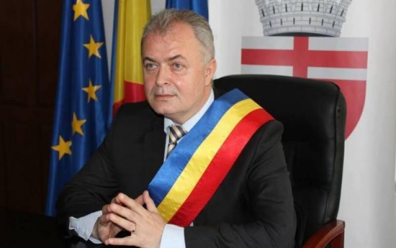 Primarul Flutur, scrisoare deschisă către parlamentarii de Botoșani să nu voteze Bugetul
