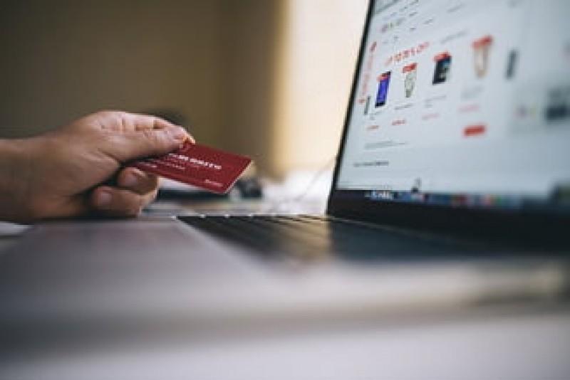 Primesti mailuri despre GDPR? Mare atentie pe ce dai click, caci poti ramane fara bani in cont!