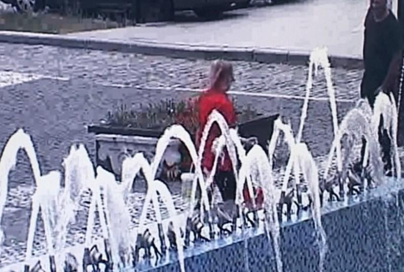 Prinsă la furat apă dintr-o fântână arteziană din municipiul Botoşani! VIDEO