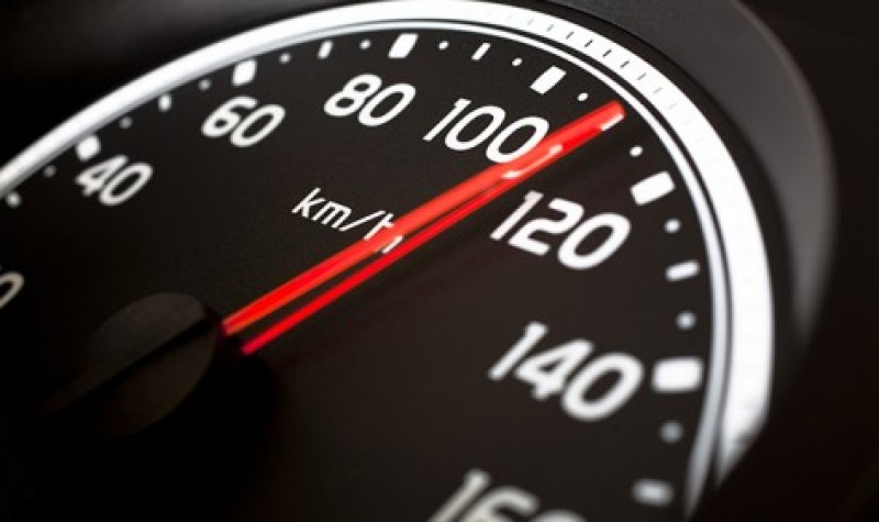 Prinși circulând cu peste 100 km pe oră, în localitate! Polițiștii botoșăneni trag noi semnale de alarmă!