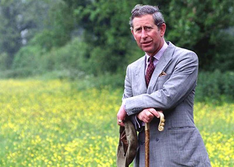 Prințul Charles își începe diminețile în România cu plimbări în natură