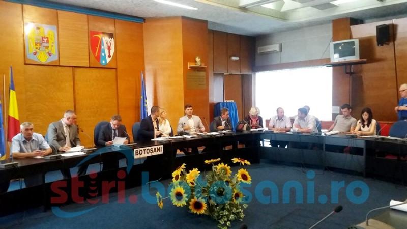 Probleme cu calitatea apei, reclamate de mai mulţi primari din judeţ FOTO