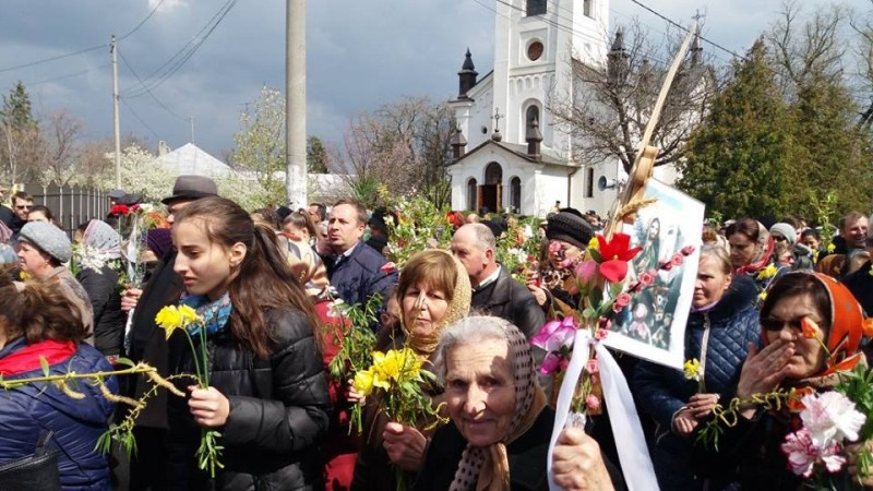 """Procesiunea de Florii la Botoșani: """"Sunteți de o frumusețe extraordinară, de care se bucură și îngerii!"""" - FOTO, VIDEO"""
