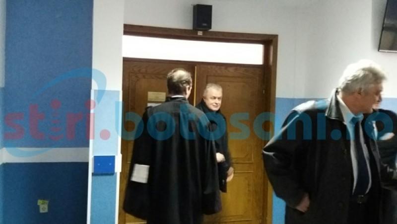 Procesul primarului Cătălin Flutur şi al angajaţilor din Primăria Botoşani a intrat în linie dreaptă. Inculpaţii au propus probe în apărare