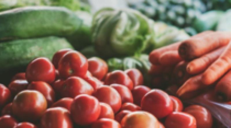 Producatorii agricoli ne spun ceva ce toată lumea știa: 90% dintre produsele din piete sunt vandute de intermediari!