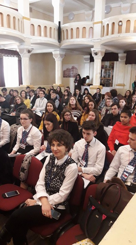 """Profesori şi elevi din şapte şcoli se întâlnesc la Colegiul Național """"A.T. Laurian""""! FOTO"""