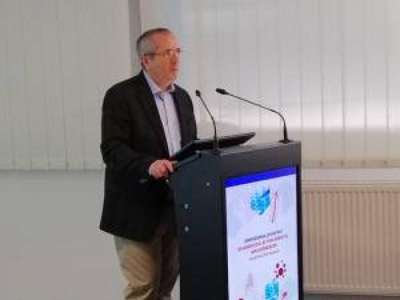 Profesorul care a descoperit gena care provoacă o boală gravă afirmă că sigur aceasta există şi la persoane din Rădăuţi şi Botoşani
