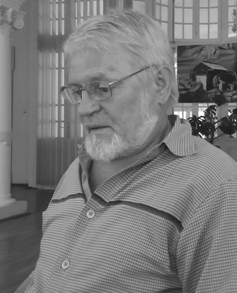 Profesorul și elevii de odinioară! VICTOR HRENIUC - 75 de ani de viață, 45 de ani profesor al Școlii Populare de Artă Botoșani!