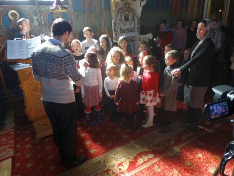 """Program cultural dedicat mamei, la Biserica """"Sfântul Ioan Botezătorul"""" din Botoşani!"""