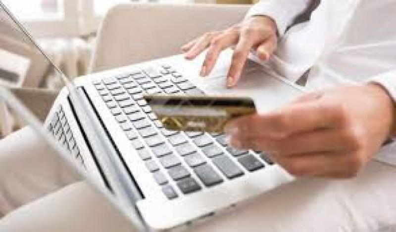 Program normal de lucru în zilele de 16 și 17 august, la serviciile de eliberare a pașapoartelor și a permiselor de conducere!