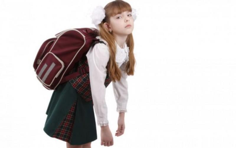 Proiect de lege: Ghiozdanele pentru școală să nu cântărească peste 10% din greutatea copiilor