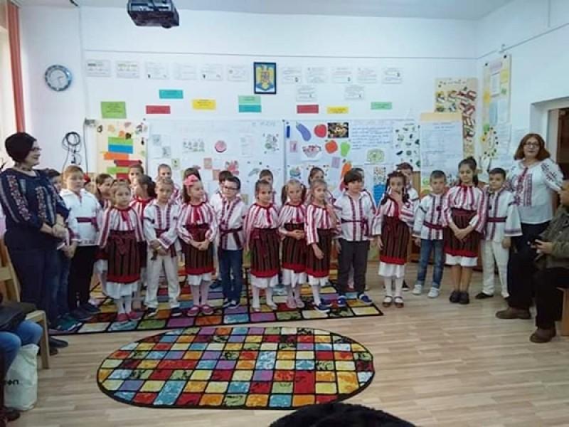"""Proiect Educațional """"Grădina de legume"""" la Şcoala 12 Botoşani"""