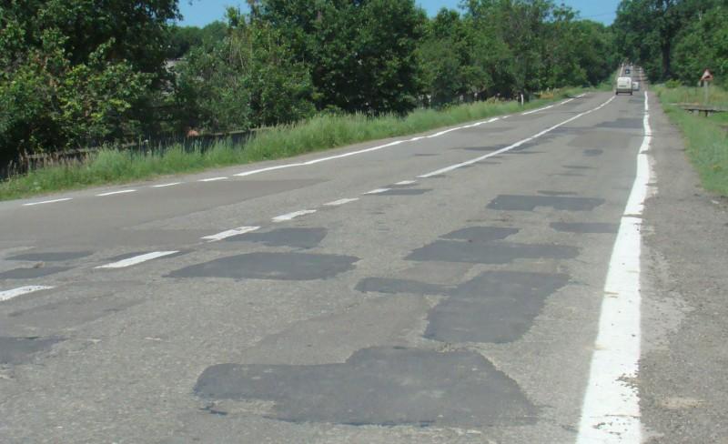 Promisiuni pentru alocarea fondurilor necesare lucrărilor de reabilitare a drumului Botoşani-Târgu Frumos