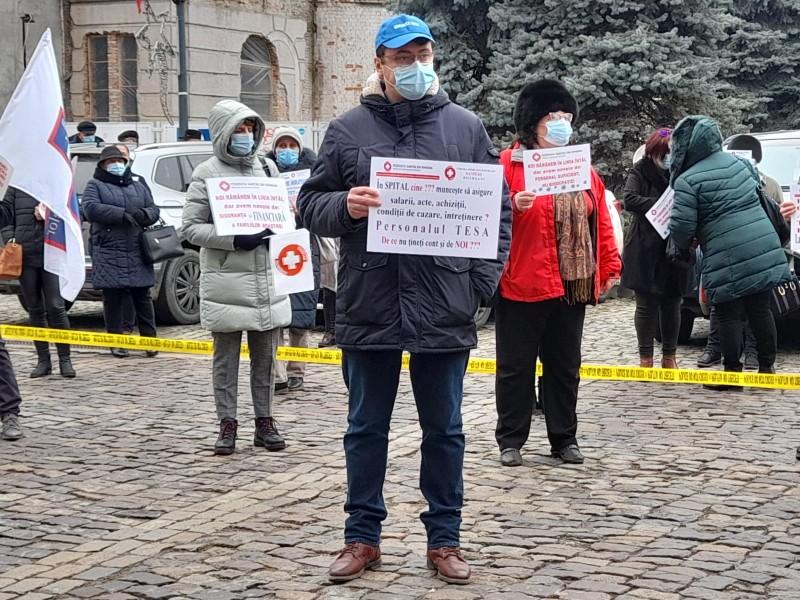"""Protest al cadrelor medicale din Botoșani. """"Nu trebuie să ne cerșim banii"""" (video)"""