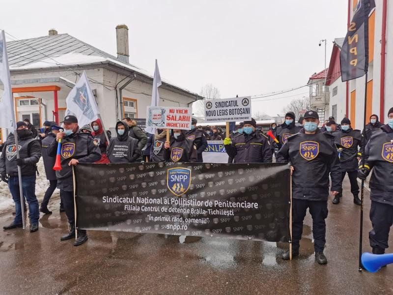 Protest al polițiștilor de penitenciare în Botoșani (video)