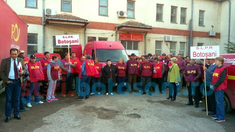 Protest al poștașilor din Botoșani: S-au săturat de salariile mici și de condiții de muncă improprii! FOTO, VIDEO