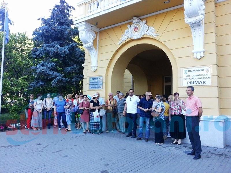 Protest al salariaților de la Primăria Botoșani!