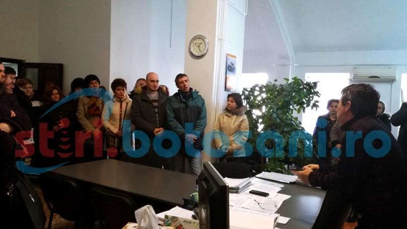 PROTEST la Locativa! Chiriasii din ANL-uri nu sunt de acord cu noile preturi! FOTO, VIDEO