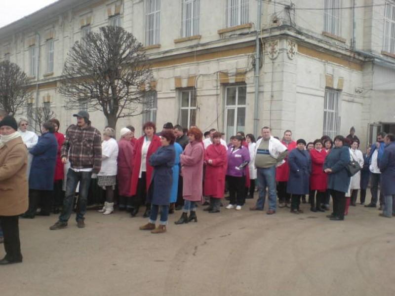 Protest spontan la Sectia de Psihiatrie Botosani! FOTO, VIDEO