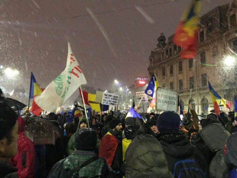 Protestele iau amploare în București! VIDEO