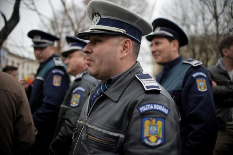 Protestul poliţiştilor: Luni, o nouă întâlnire între ministrul Afacerilor Interne, Carmen Dan, şi liderii sindicali din Poliţie