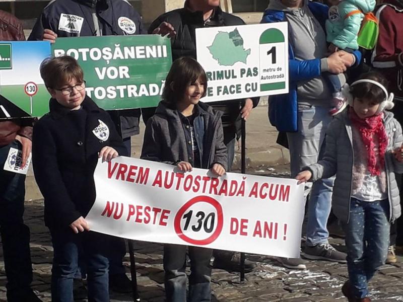 """Protestul #șîeu la Botoșani: """"Vrem autostradă acum, nu peste 130 de ani!"""" FOTO, VIDEO"""