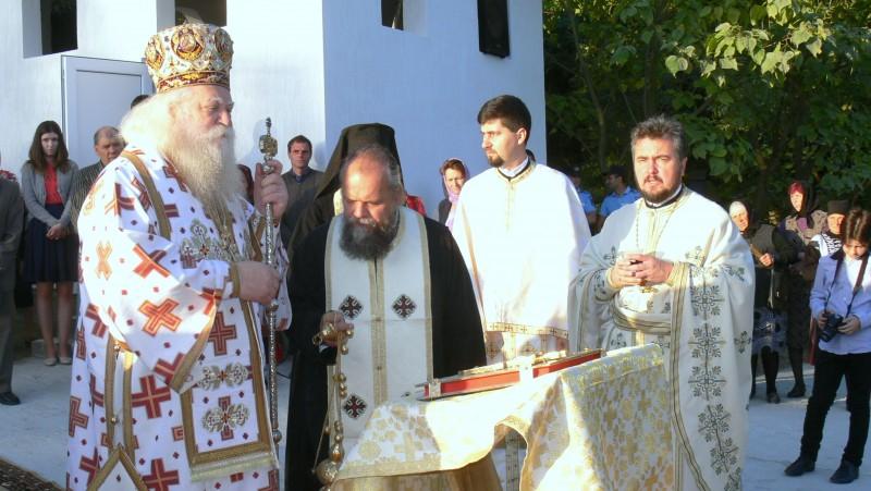 PS Calinic Botoșăneanul a sfințit Biserica din satul Baranca! VIDEO
