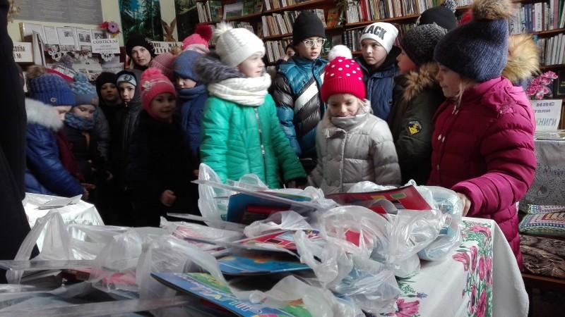 """""""Cartea unește inimi"""" a poposit din nou în Nordul Basarabiei - FOTO"""