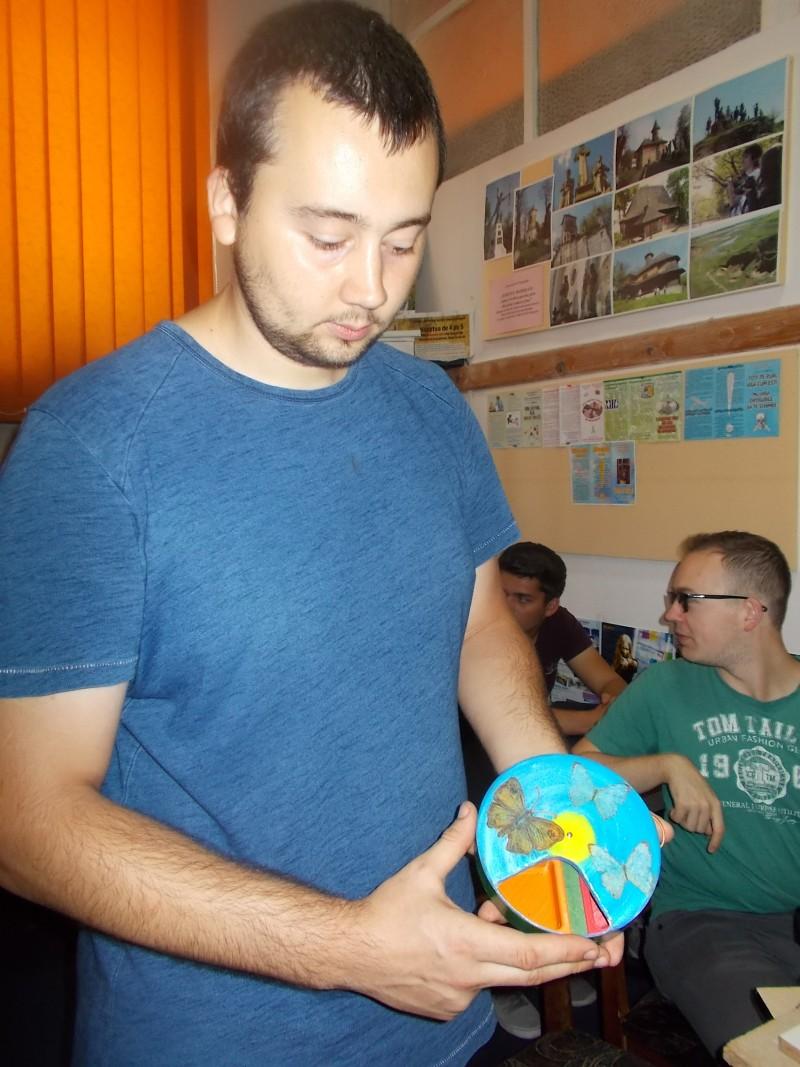 """""""Casa inteligentă"""", aplicații practice realizate de tinerii coordonați de prof. Grigore Luisian"""