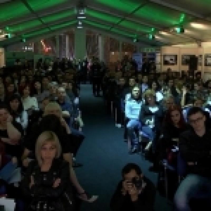 """""""Casa Poeziei"""" reuneste la FILIT 20 dintre cei mai importanti poeti romani"""