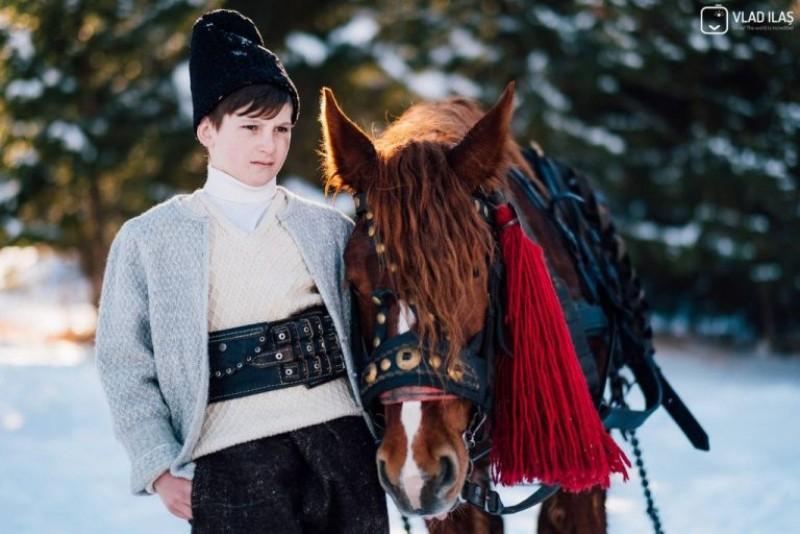 """""""Crăișorul munților"""" a murit, la 14 ani, căzând de pe stânci… Vlăduțe, să ne ierți…"""