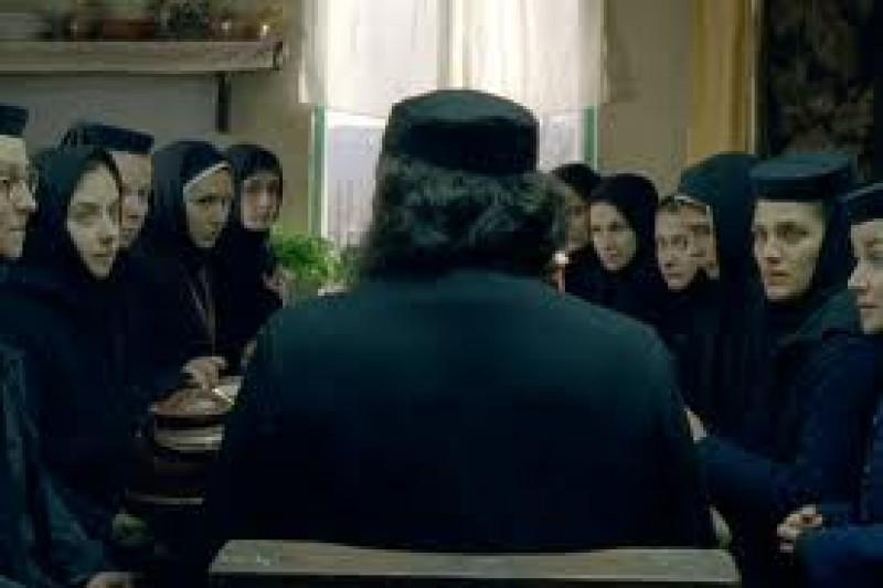 """""""Dupa dealuri"""" - premiera la Botosani, cu participarea actritei Dana Tapalaga!"""