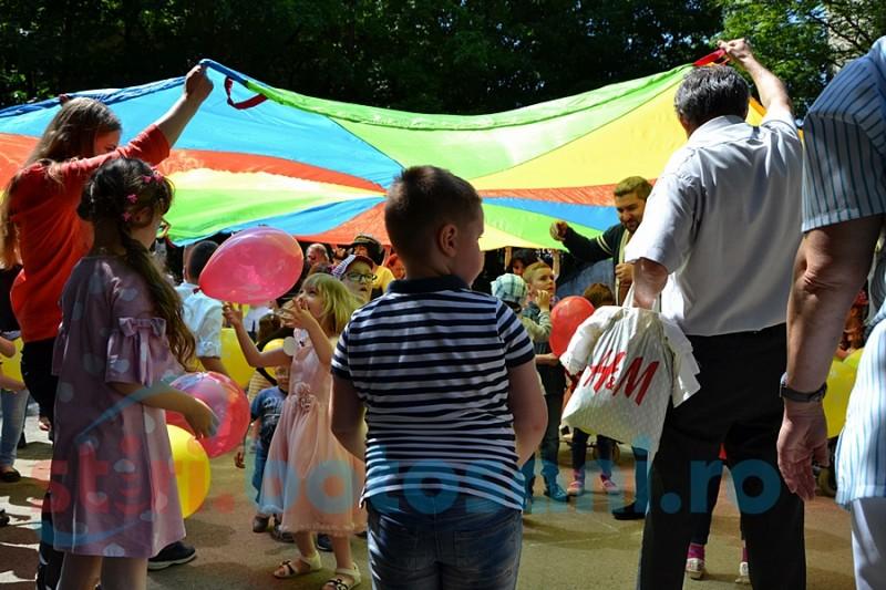 """""""Jocurile copilăriei"""" la CSM Pediatrie! Zeci de copilaşi s-au bucurat în avans de ziua lor FOTO, VIDEO"""