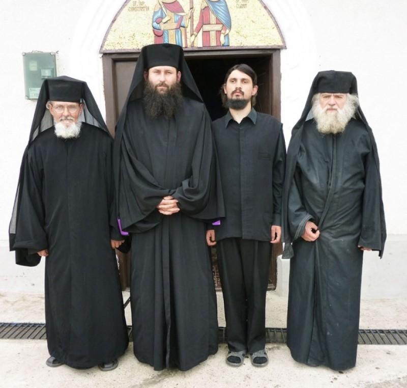"""""""Mama îmi spunea: Ce ţi-a trebuit ţie viaţă de mănăstire?"""""""
