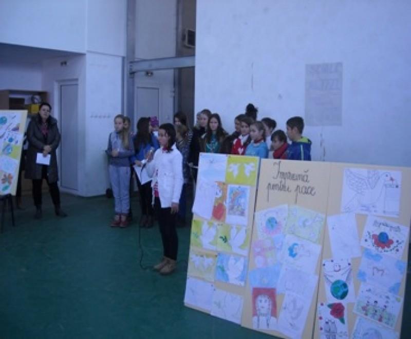 """Pacea-un ideal universal"", la Liceul din Coţuşca"