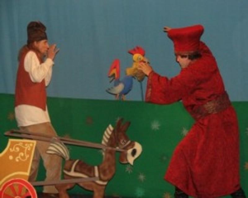 """""""Punguţa cu doi bani"""", duminică, la Teatrul Vasilache! VIDEO"""