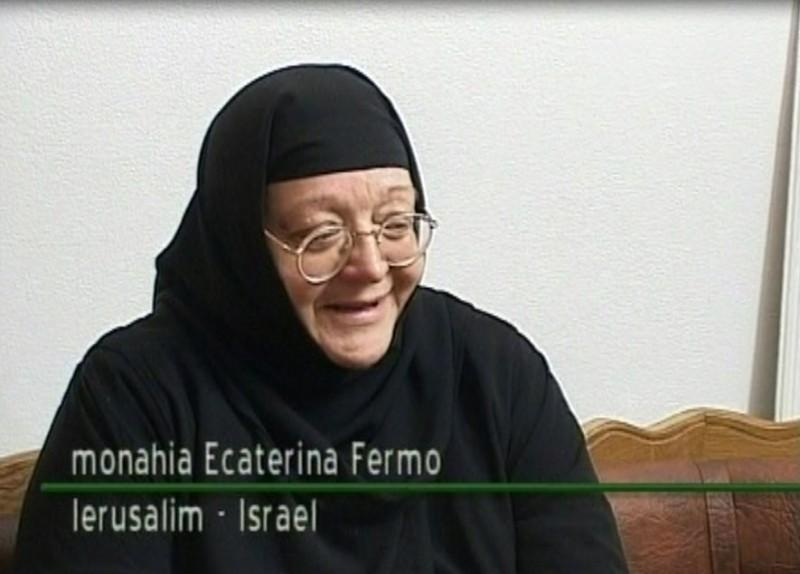 """""""Românii nu au fost şi nu sunt antisemiţi. Bunicul meu evreu a fost ucis de comuniştii… evrei!"""" Maica Ecaterina Fermo îi bate obrazul lui Alexandru Florian"""