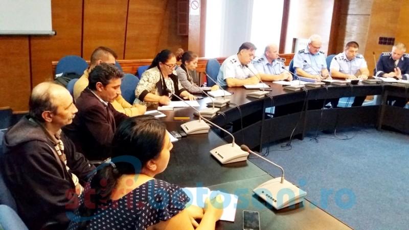 """""""Romii nu se nasc infractori, asta este un rasism""""- reprezentanţii rromilor din Botoşani în şedinţa ATOP"""