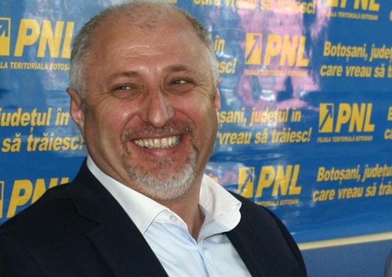 Radarul, spaima parlamentarilor grăbiți. Șeful liberalilor din Botoșani a rămas fără permis, după ce a depășit suta pe oră, în localitate