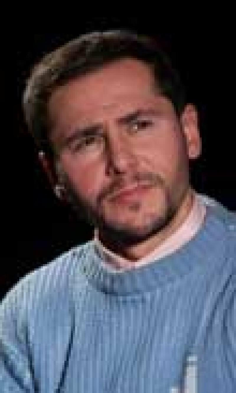 RADU DRAGOS - Actorul care aduce veselia pe scena!