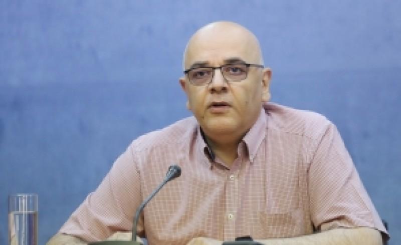 Raed Arafat, recomandări pentru populație : Tragem pe dreapta și punem centura, nu mergem spre tornadă