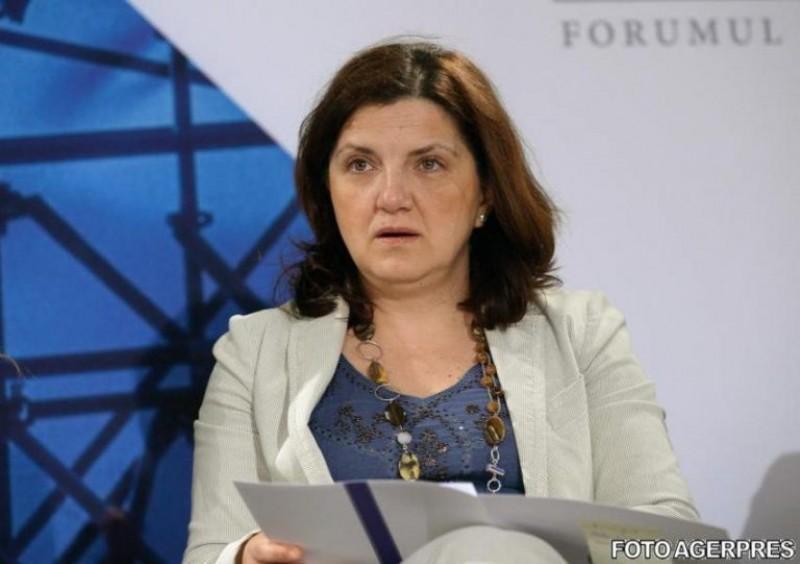 """Raluca Prună se teme de valorile tradiționale """"extremiste"""": Din 2002 avem 16 persoane trimise în judecată pentru rasism și xenofobie; e foarte puțin"""